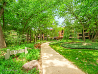 1401 Burr Oak Rd Unit 208C, Hinsdale