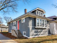 6257 N Maplewood Ave, Chicago